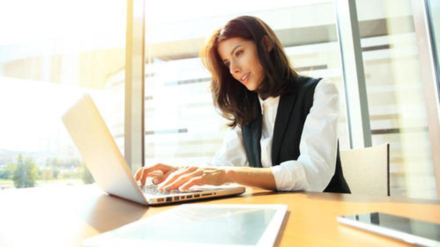 ¿Tienes un perfil comercial y buscas trabajo? Consíguelo aquí mismo