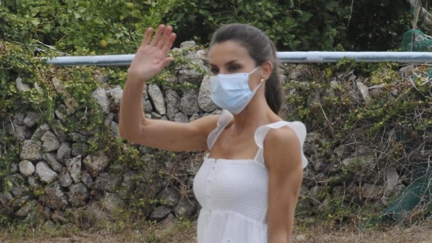 El blanco, nuevo color fetiche del verano para Doña Letizia