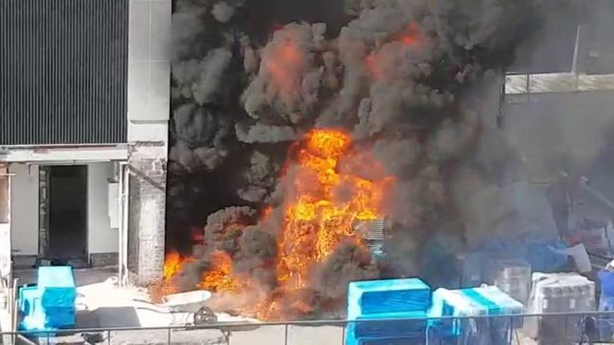Incendio en Valencia hoy: fuerte columna de humo en Nou Campanar
