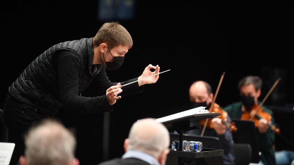 Roberto López Monjas, en los ensayos de la Sinfónica para el concierto.