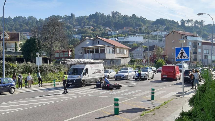Herida una motorista en Chapela tras colisionar contra un coche