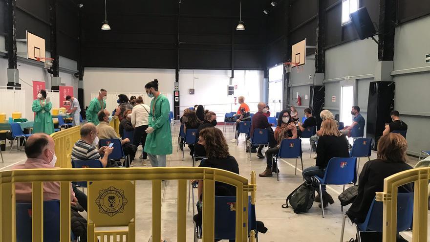 Vacunados en Dénia en 15 minutos y a casa