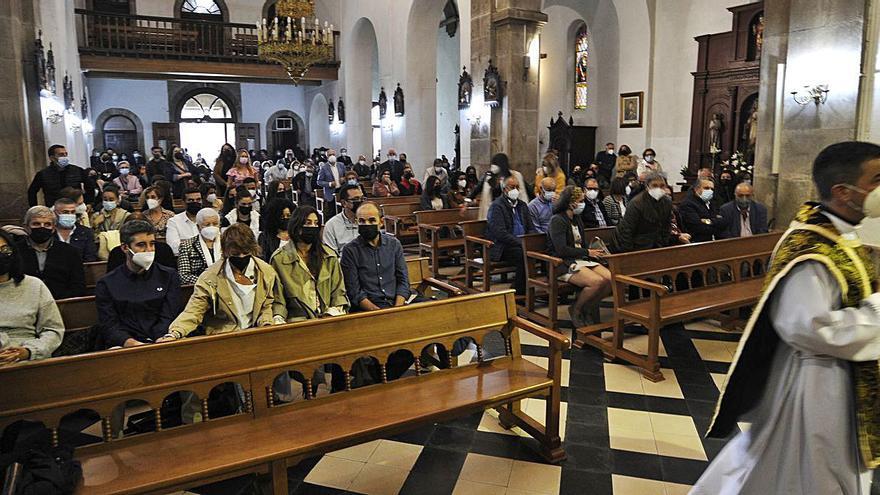 Funeral por Acevedo en la iglesia parroquial de As Dores de Lalín
