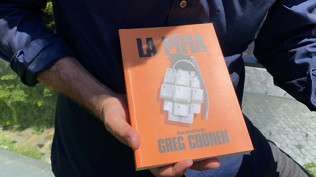 La portada del llibre 'La Pífia', de l'escriptor Greg Coonen