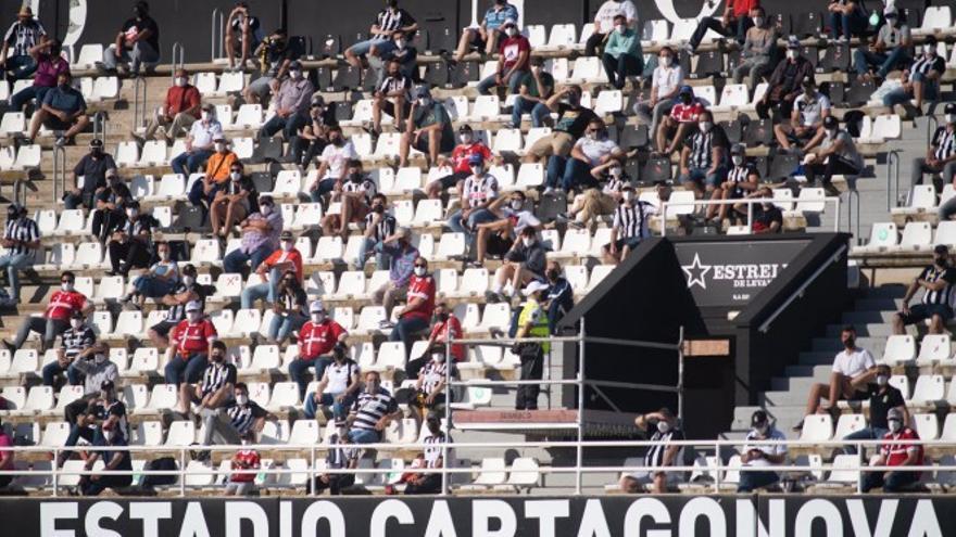 El público volverá a los estadiosde fútbol y baloncesto la próxima temporada