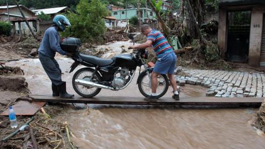 Las lluvias dejan cerca de 400 muertos en Río de Janeiro