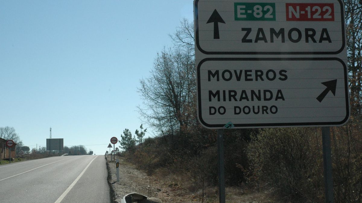 Carretera hacia Moveros