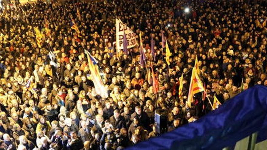 Més de mil persones reclamen a Vic la llibertat per al regidor de la CUP detingut