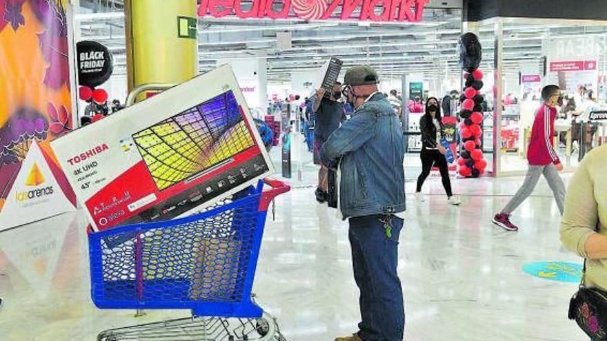 El comercio acopia 'stock' para evitar desabastecimiento en el 'Black Friday'