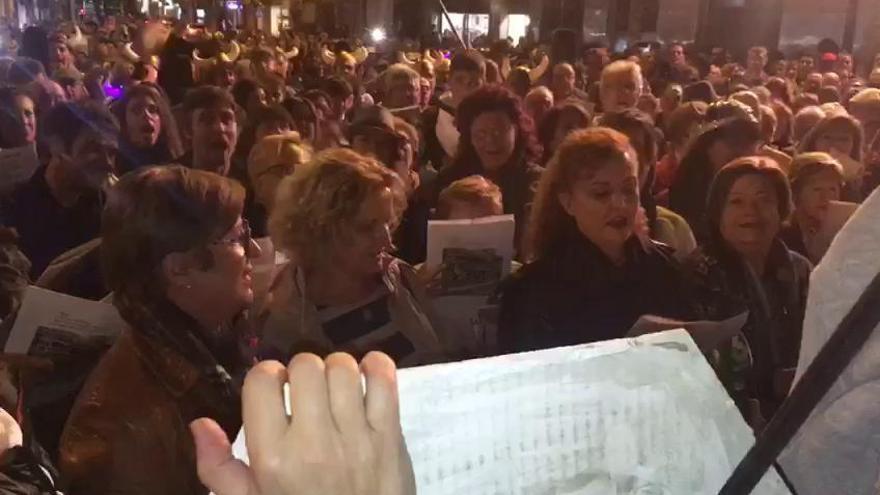 Música, protesta y televisión se dan cita en las vías