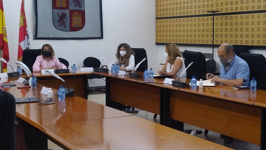 Prorrogado el acuerdo que mejora las condiciones de los docentes e incrementa las plantillas por el COVID-19