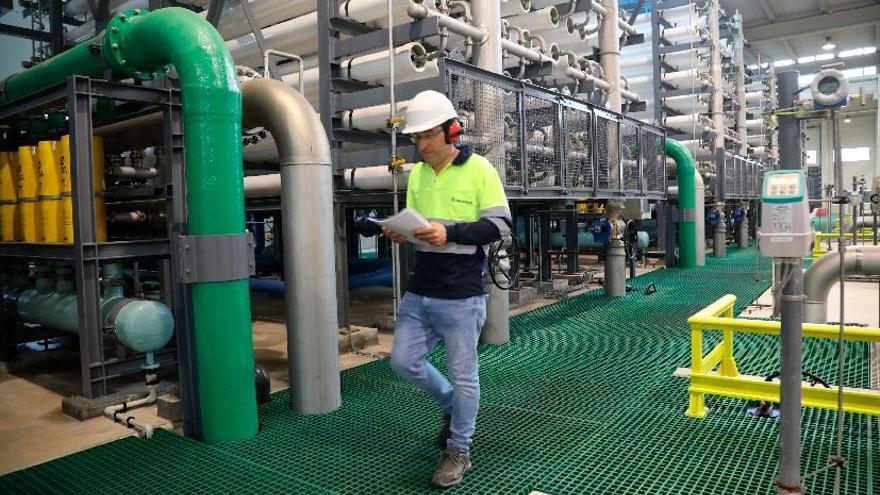 Orpesa, Benicàssim y Cabanes confían en abaratar el agua de la desaladora