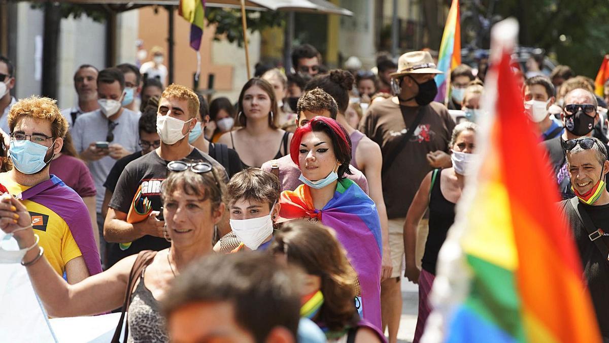 Manifestació del dia de l'orgull LGBTI a Girona.   MARC MARTÍ
