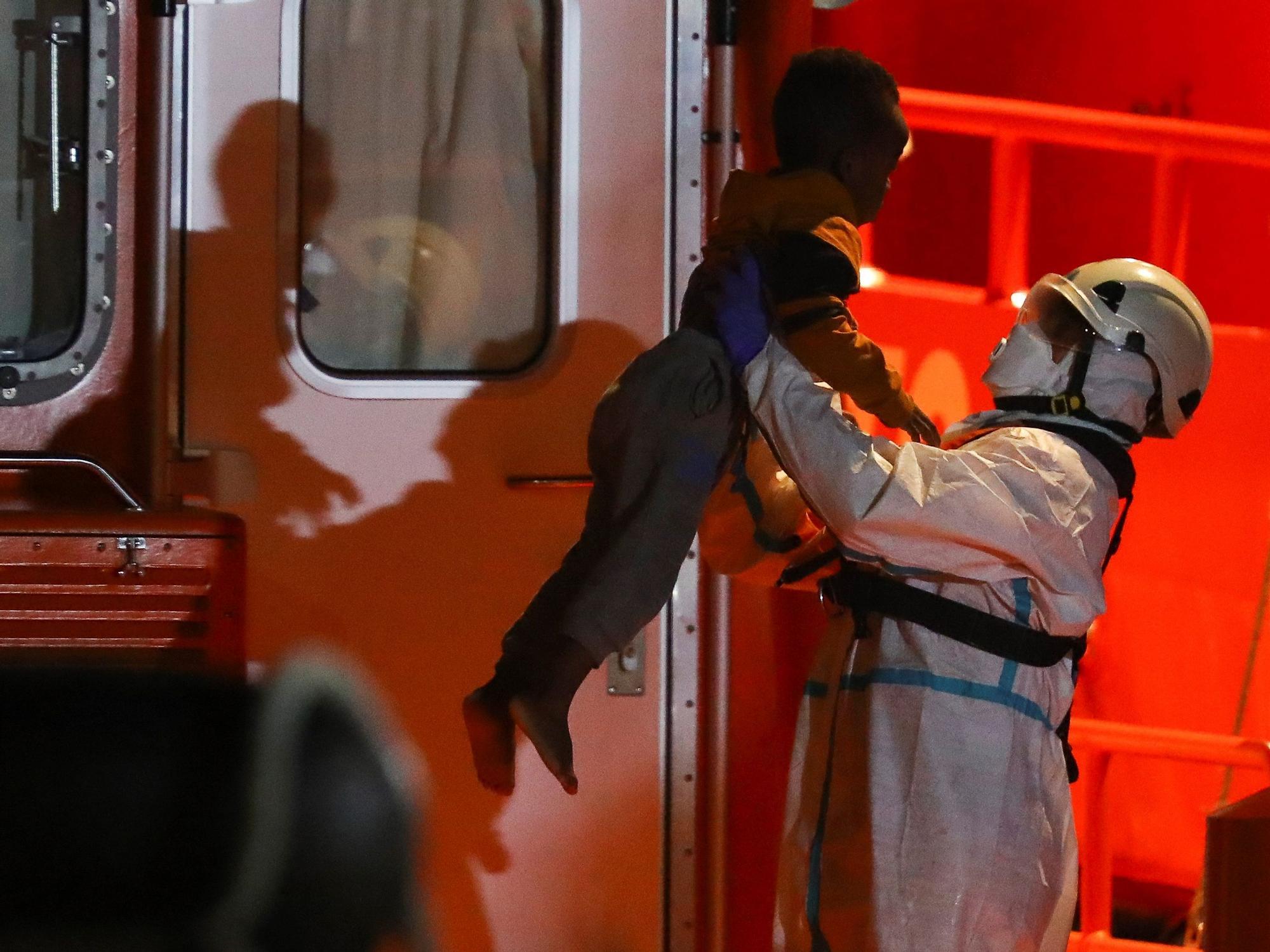 Rescatan a 37 migrantes al sur de Gran Canaria (27/03/21)