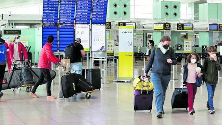 Els viatgers vacunats podran entrar a Espanya a partir del 7 de juny