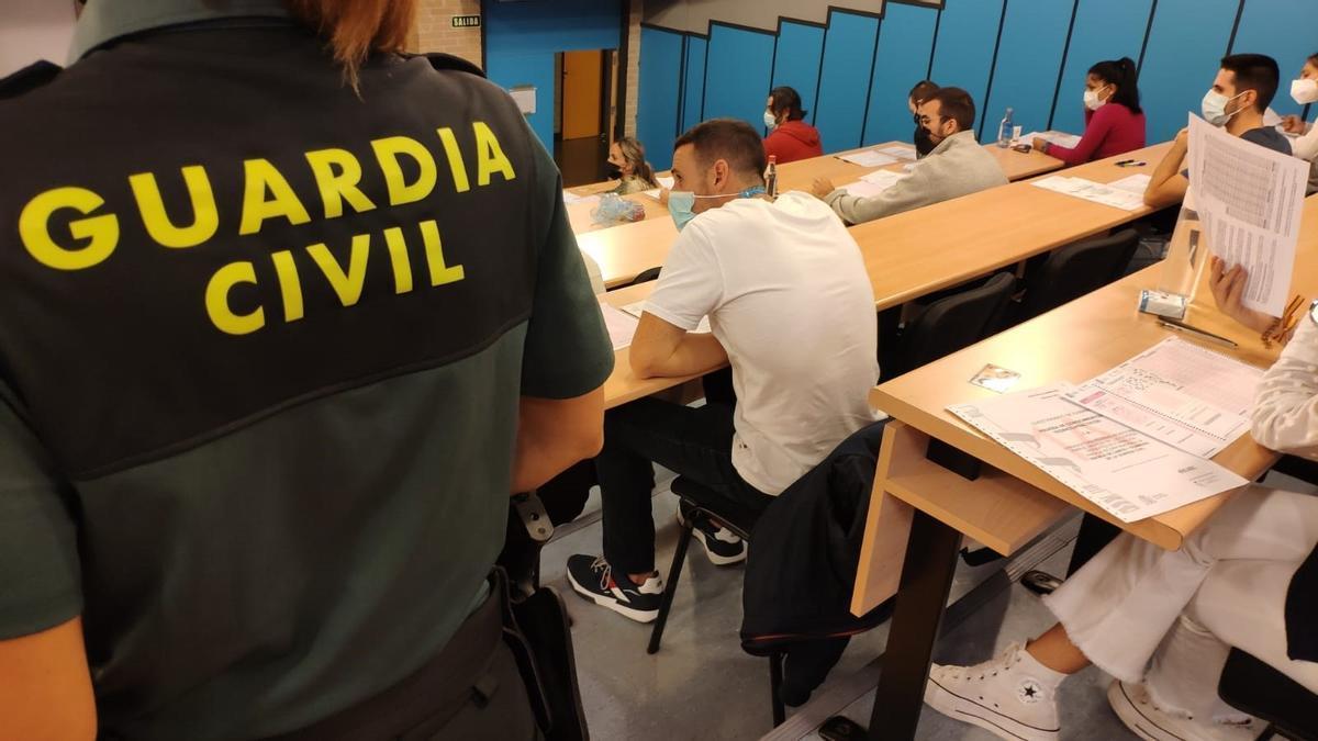 Un total de 1.200 personas opositan en Calatayud a una de las 2.091 plazas ofertadas para ser guardia civil.