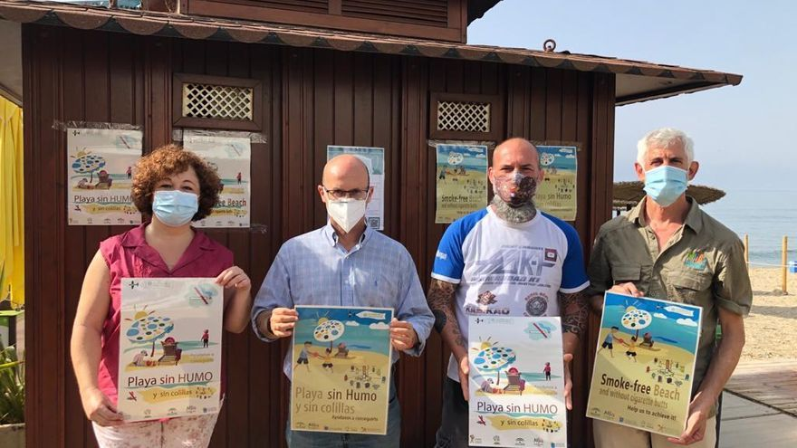 Mijas se adhiere al programa 'Playa sin humo' en las zonas  con bandera azul