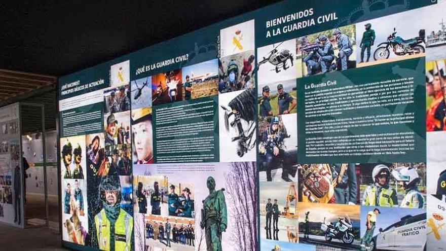Paneles ilustrativos en el museo del Guardia Civil.