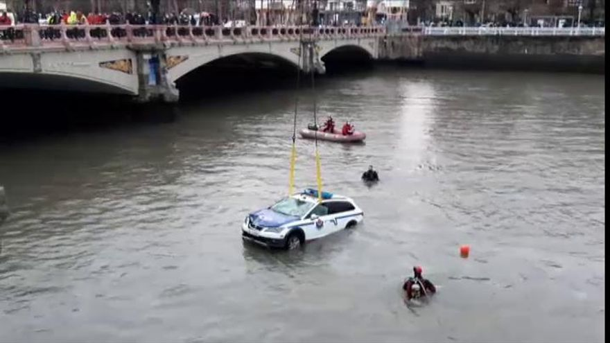 Muere un ertzaina en San Sebastián al caer su coche al río Urumea
