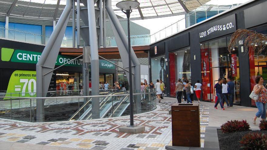 La sociedad propietaria de El Mirador compra el centro comercial Las Terrazas