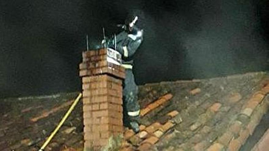 Un bombero, en la casa. | SEPA