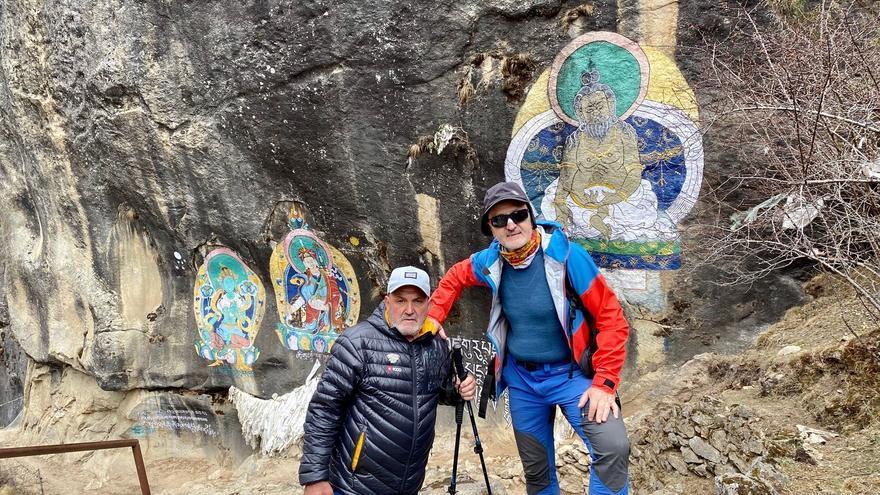 Los montañeros Juanito Oiarzabal y Sebastián Álvaro, atrapados en Katmandú