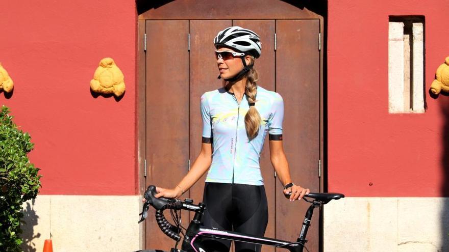 Inma Moreno, una ciclista i model sevillana arrelada a l'Empordà
