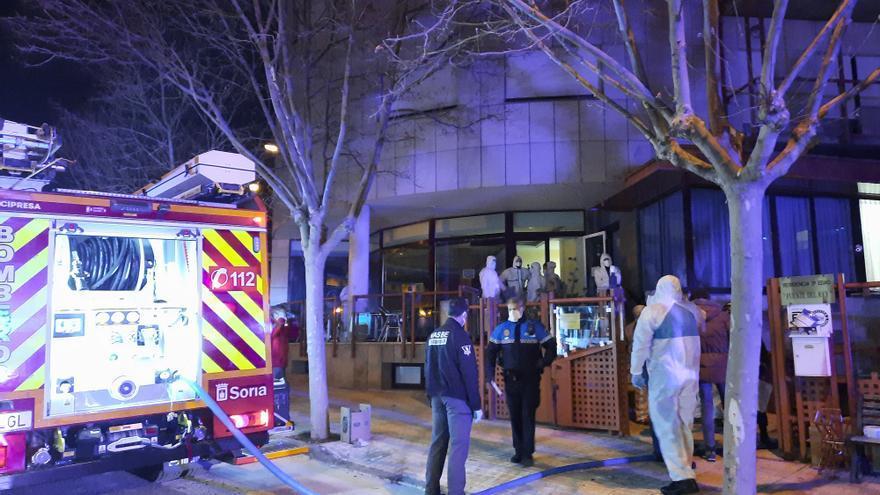 El incendio de una residencia de mayores en Soria, en imágenes