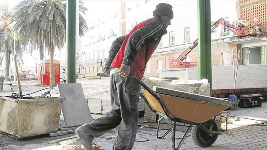 Las obras en las zonas comunes de 517 pisos de Las Palmeras acaban en marzo