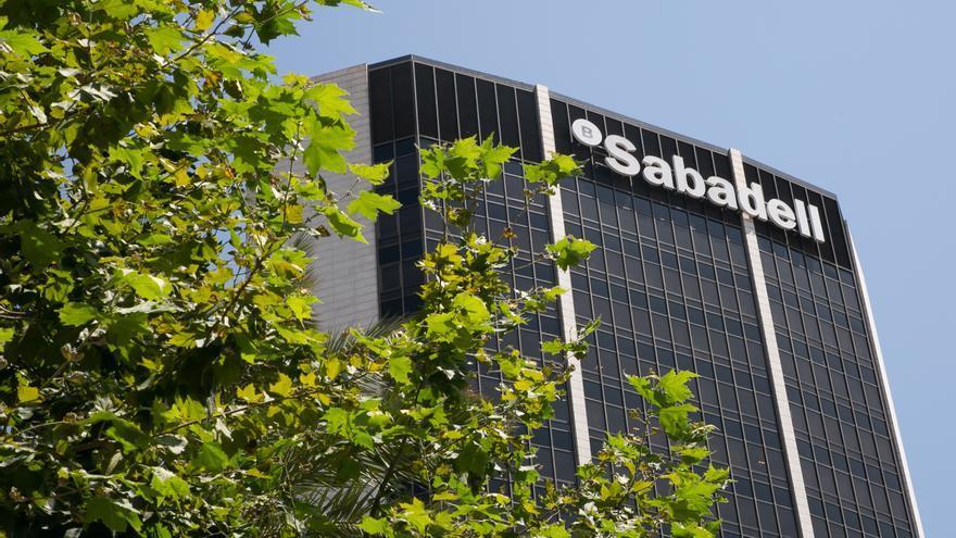 El Sabadell plantea un ere con 1.900 salidas, el 13% de la plantilla en España