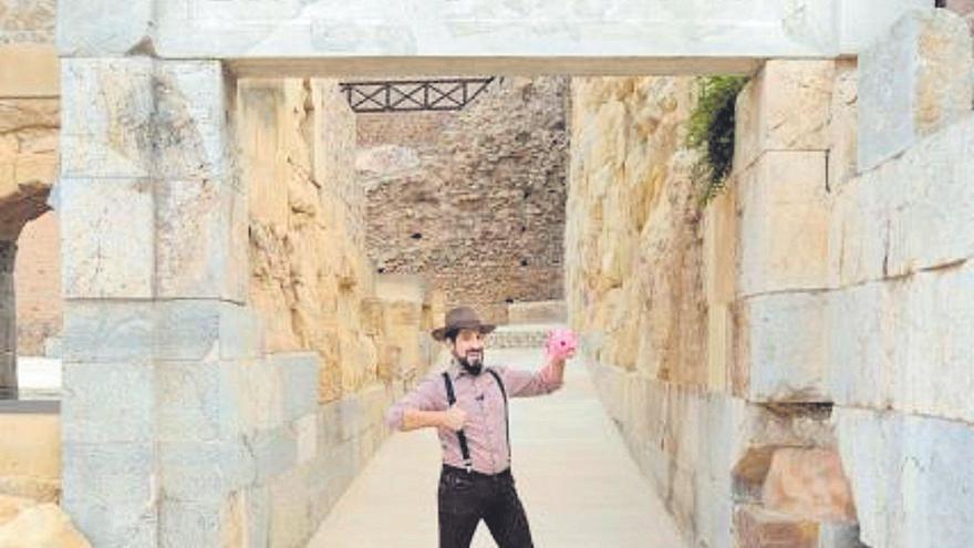 Qué hacer hoy en Murcia: Teo Jones y el misterio de las piedras romanas