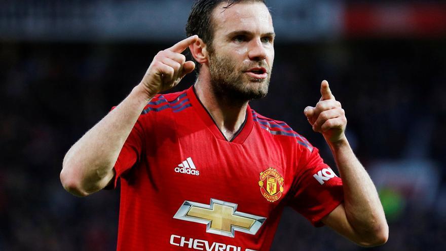 Mata renueva una temporada con el Manchester United