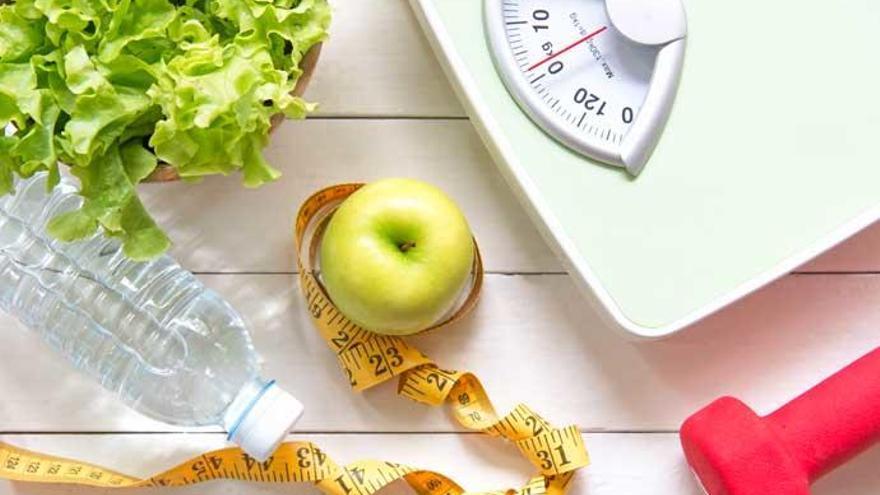 Con este ejercicio perderás peso de forma fácil y sin salir de casa según los expertos