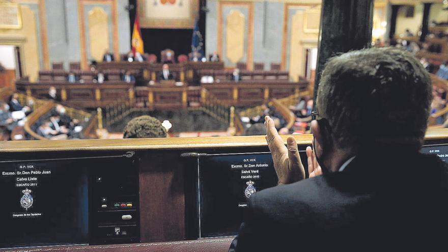 Vista del hemiciclo del Congreso de los Diputados, ayer, desde unos escaños de Vox.