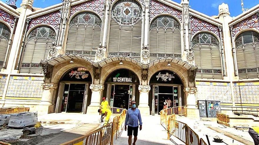 La plaza del Mercat estrena pavimento