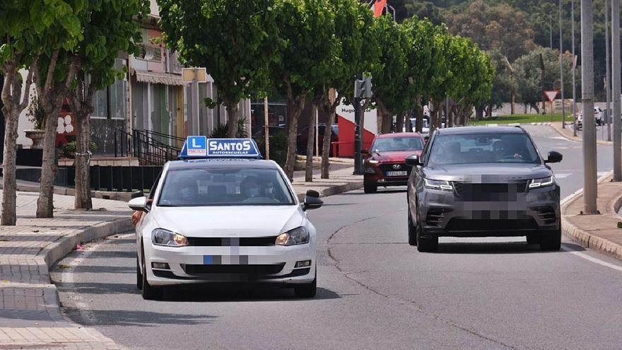 La DGT rechaza la petición de Elda y Petrer para poder acoger exámenes del carné de conducir