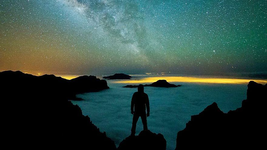 El sector del astroturismo teme el cierre de las vías a las cumbres