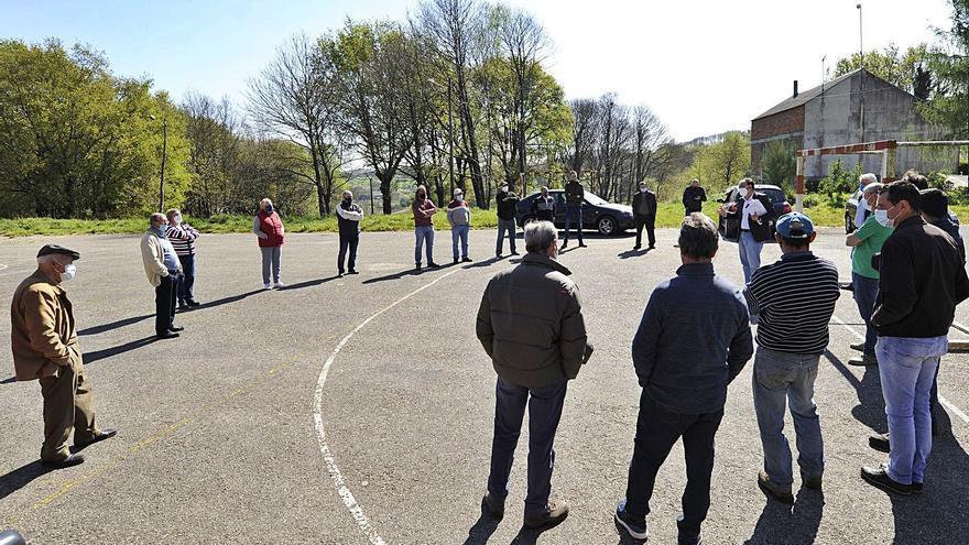 Lalín alega contra los eólicos Céfiro, Brisa y Galerna por su impacto en el sector ganadero