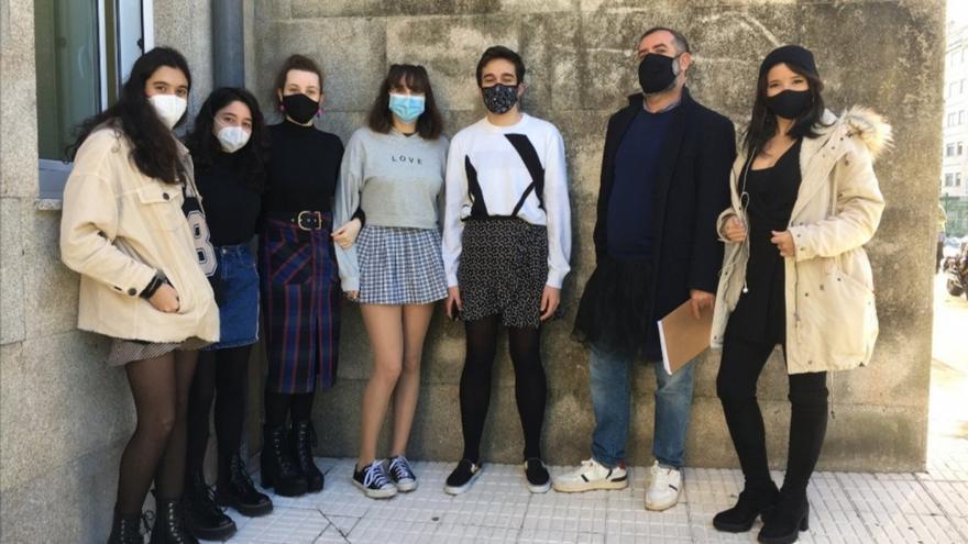 """Director del IES do Castro: """"Yo también me puse falda con mis alumnos"""""""