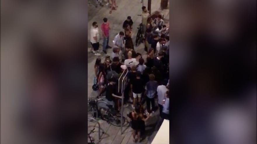 Quejas por los continuos botellones en el puerto de Ibiza