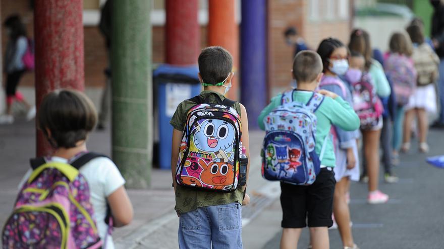 Los casos de coronavirus crecen en los colegios gallegos hasta los 961