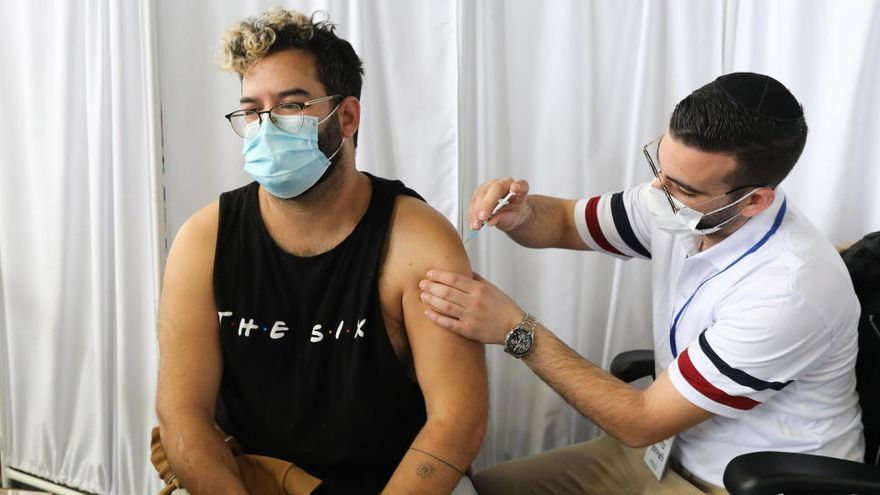 Israel extiende su confinamiento hasta el domingo pese a los millones de personas vacunadas