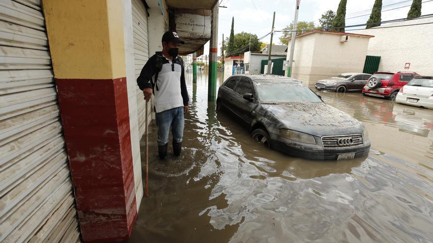 Un río se desborda en México dejando casi 2.500 desalojados