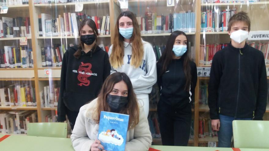 Alumnos del IES Monegros-Gaspar Lax colaboran en la ilustración del libro 'Pequerrimas' de Asun Porta