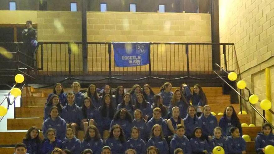 La escuela de Voley 9x18 se presenta en Llanes con seis equipos y 60 jugadores