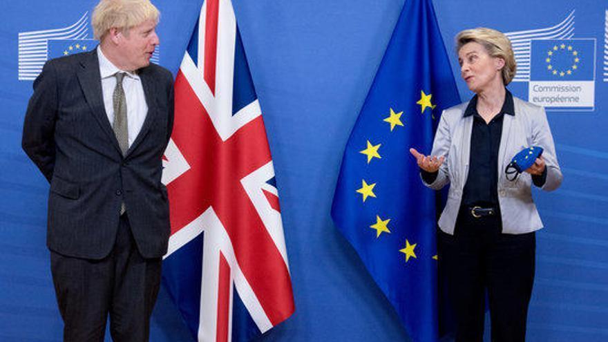 La Unió Europea i el Regne Unit tanquen l'últim acord comercial
