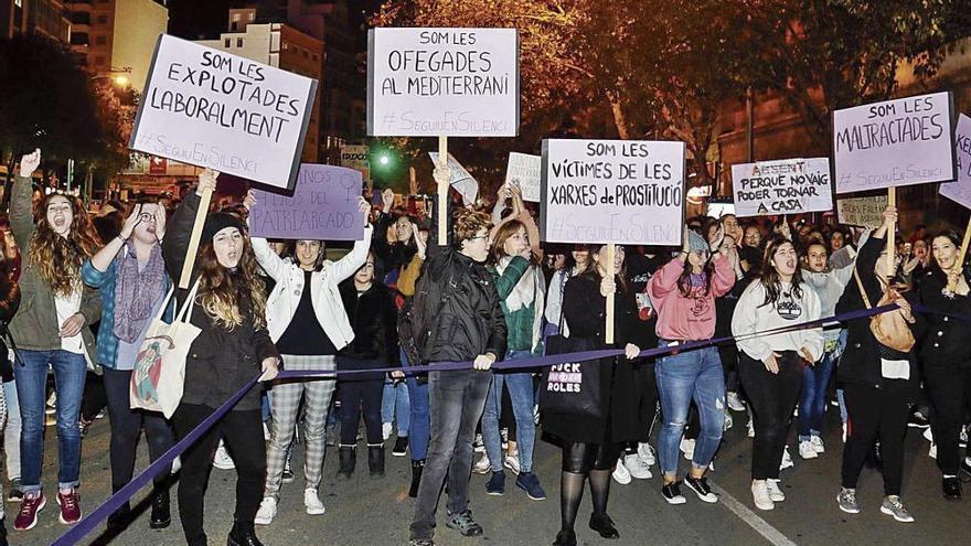 25-N: Rund 3.000 Demonstranten fordern Ende der Gewalt an Frauen