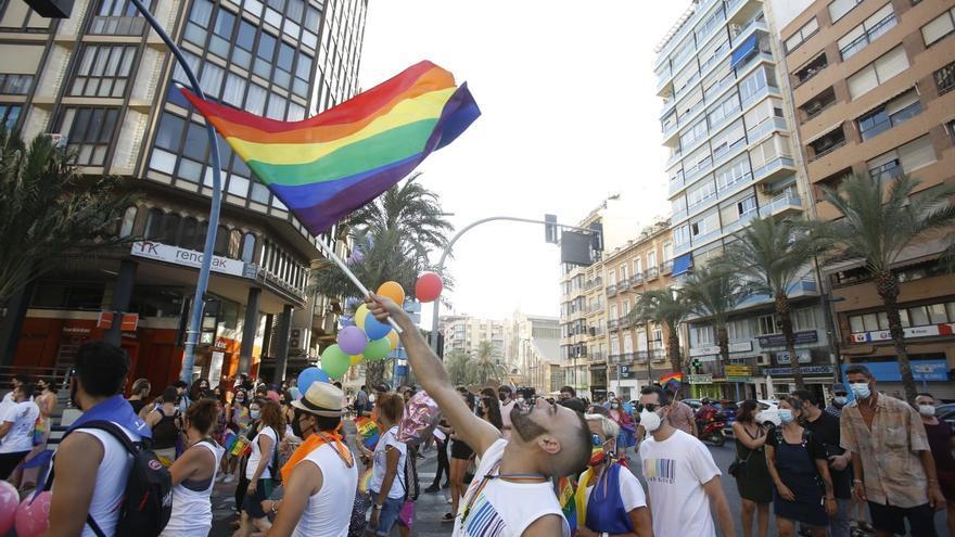 1.500 personas participan en la manifestación por el Día del Orgullo en Alicante