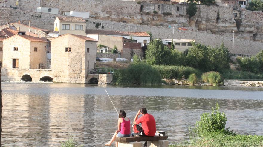 Parte del barrio zamorano de Olivares ya puede conectarse a la fibra óptica