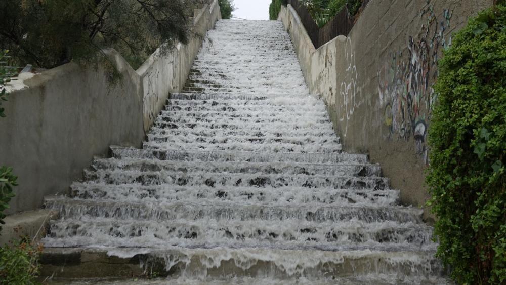 Herbstgewitter mit Überschwemmungen und Steinschlag